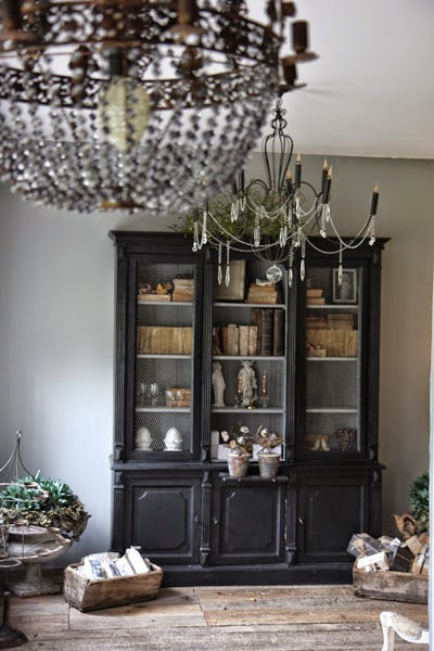 l 39 armoire de camille les photos de la vente eph m re. Black Bedroom Furniture Sets. Home Design Ideas