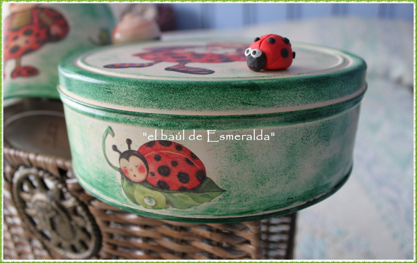 El ba l de esmeralda reciclando cajas de metal - Como decorar una caja de metal ...