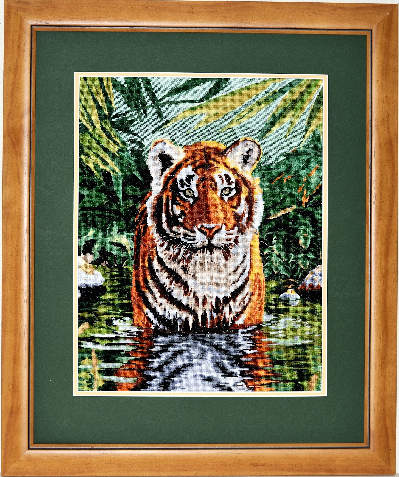 Great Ostry Picture Framing : Cross Stitch Picture of Tiger