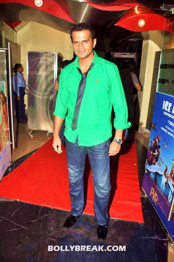 Siddarth Kannan - (28) - Bollywood & TV Celebs at the Premiere of 'The Dark Knight Rises'