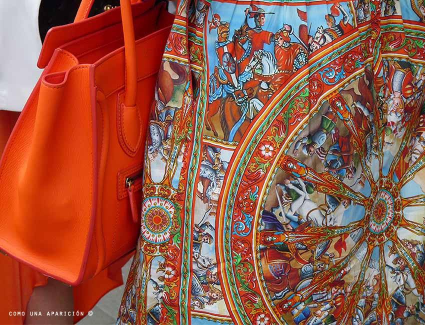 street-style-celine-orange-bag-dolce-&-gabbana-spring-2013-dress-colombiamoda-como-una-aparición
