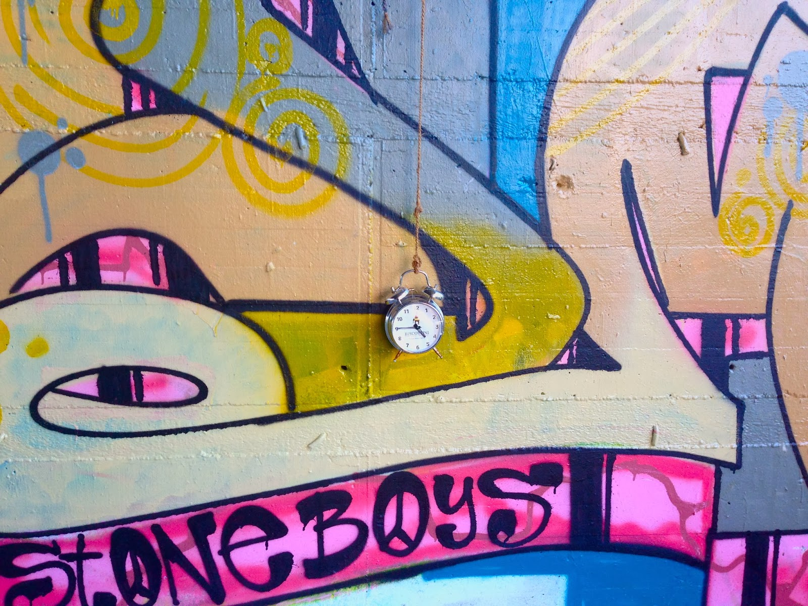 Teufelsberg Panorama Aussicht Berlin NSA Berg Grunewald Street Art Graffiti Uhr Stoneboys