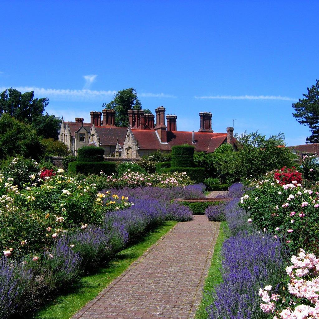 Fotos de casas im genes casas y fachadas fotos de casas - Casas con jardines bonitos ...