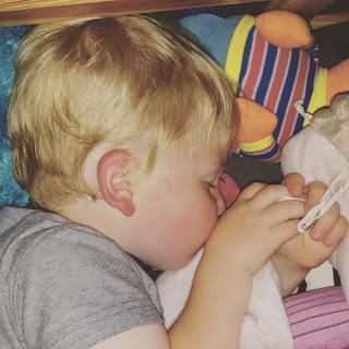 ondeugende spruit middagdutje slapen