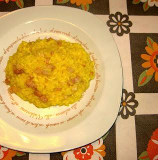 La ricetta del risotto con pancetta e zafferano è super golosa! Perfetta perchè saporita e piena di gusto!