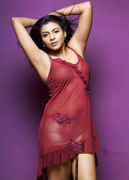 Saranya hot in pink
