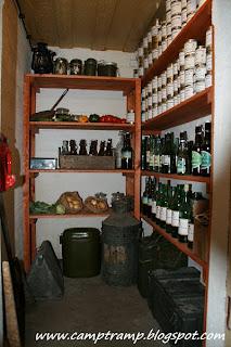 Wnętrze bunkra Regelbau 120A - Magazyn żywnościowy