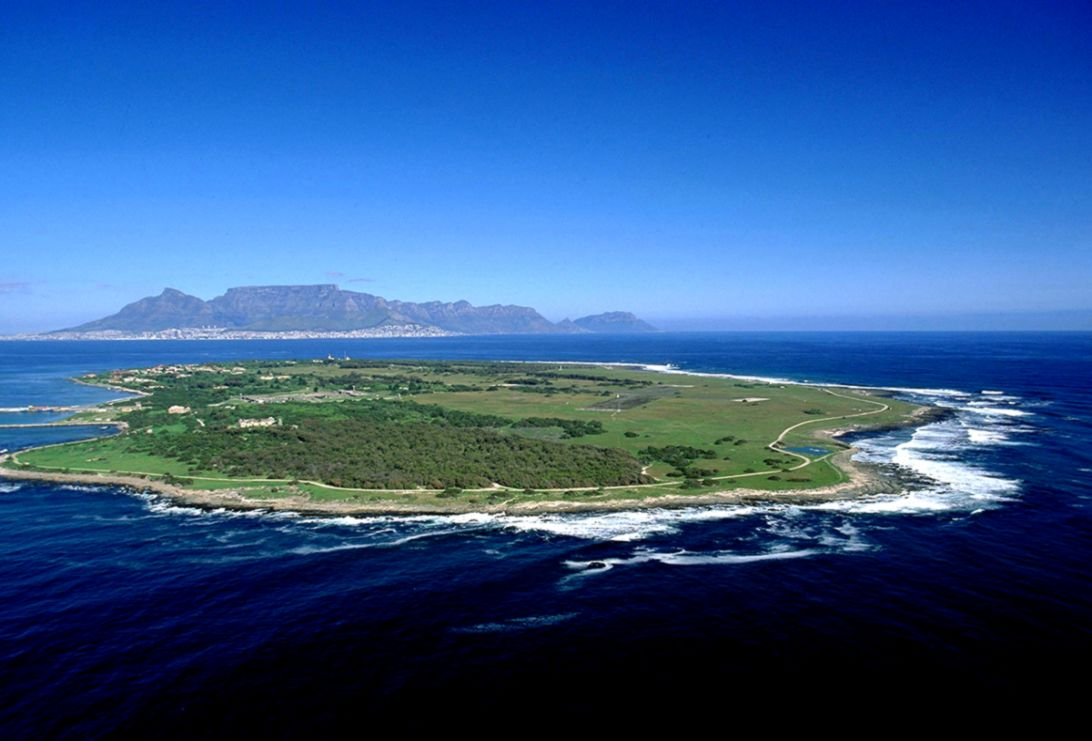 Visiting Robben Island  26 ON FIRST CAMPS BAY