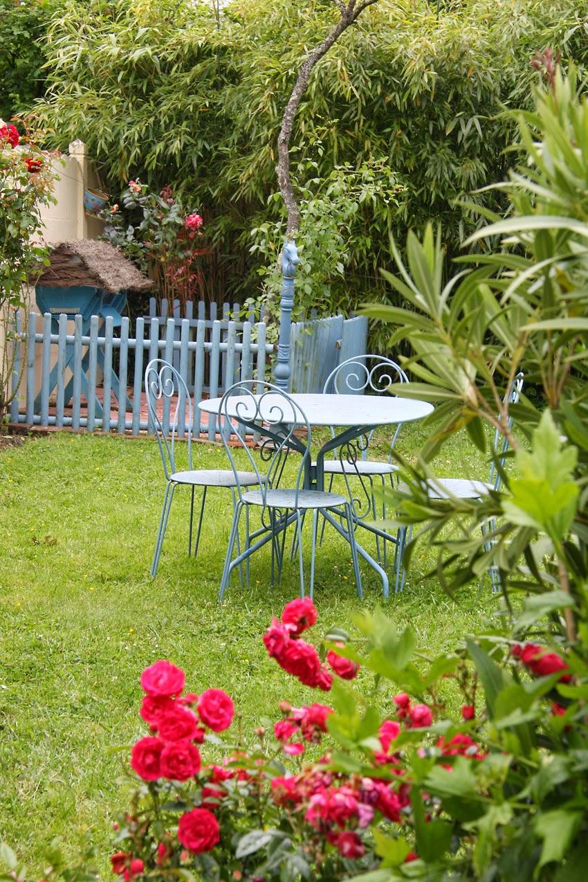home garden diy fabriquer une ruche en palettes recycl es. Black Bedroom Furniture Sets. Home Design Ideas