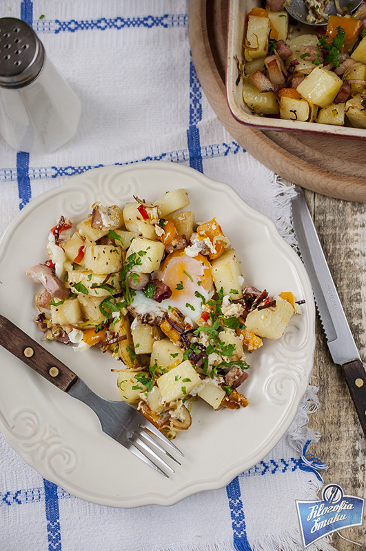 Ziemniaki z jajkami i boczkiem