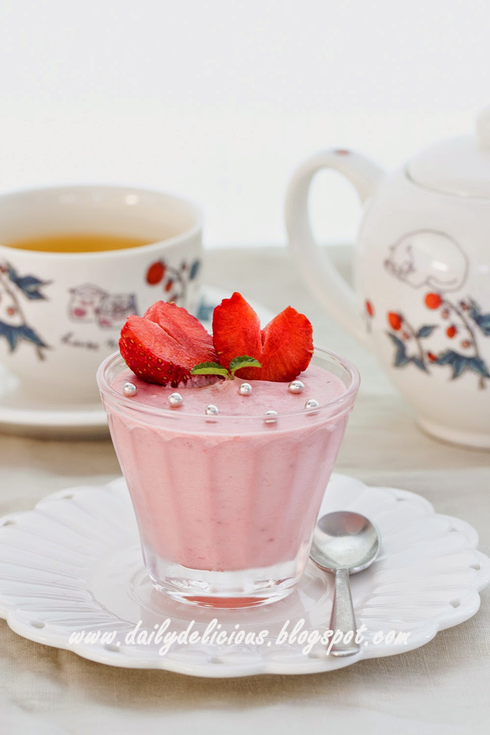 ... : For your Happy Valentine's day: Strawberry yogurt mousse or tart