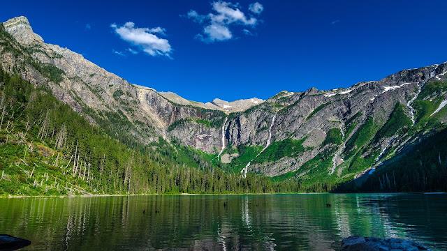 Avalanche lake mountain sky HD Wallpaper