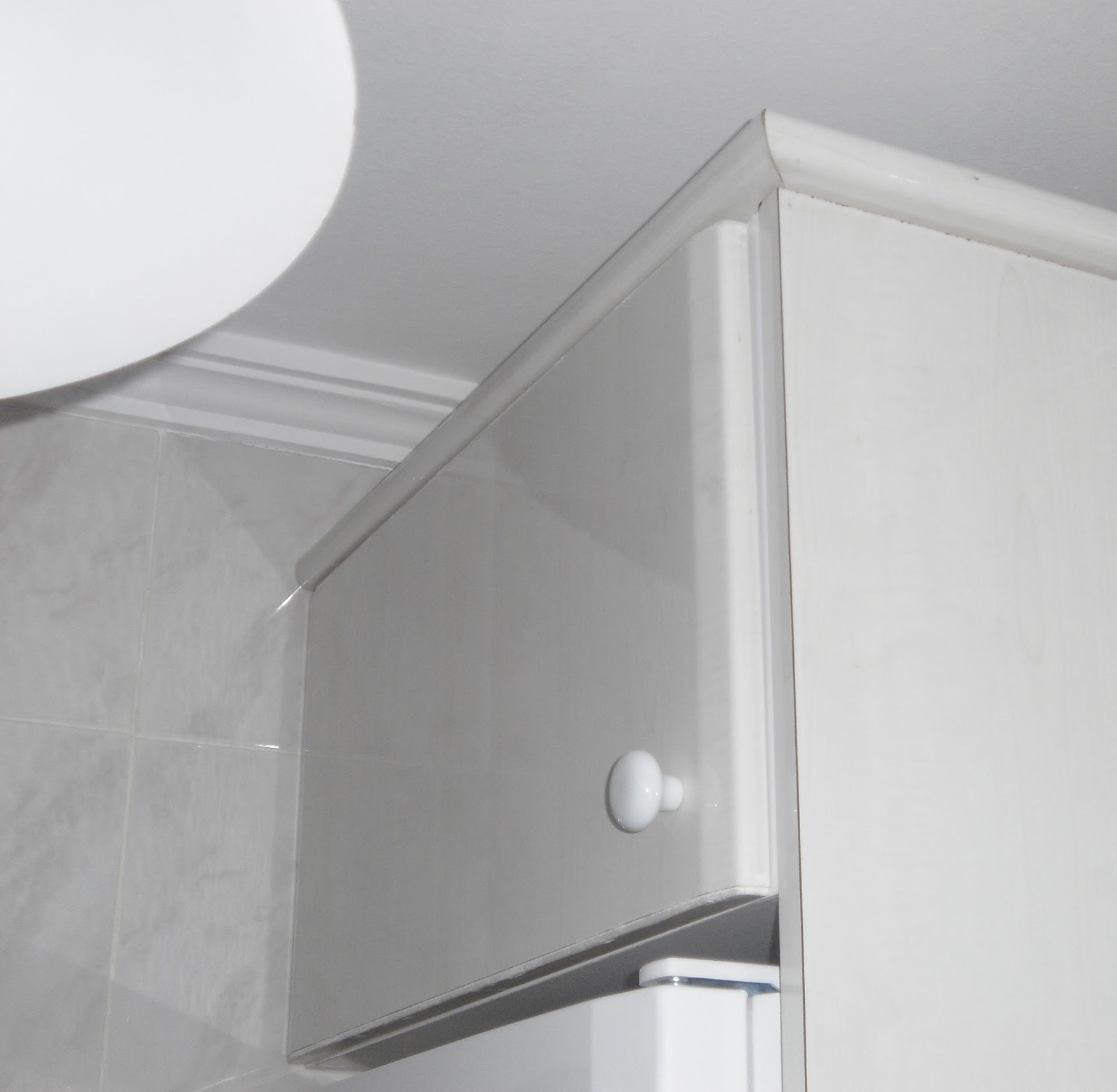 Caballito de cart n adaptar modulo de cocina encima del for Como montar muebles de cocina