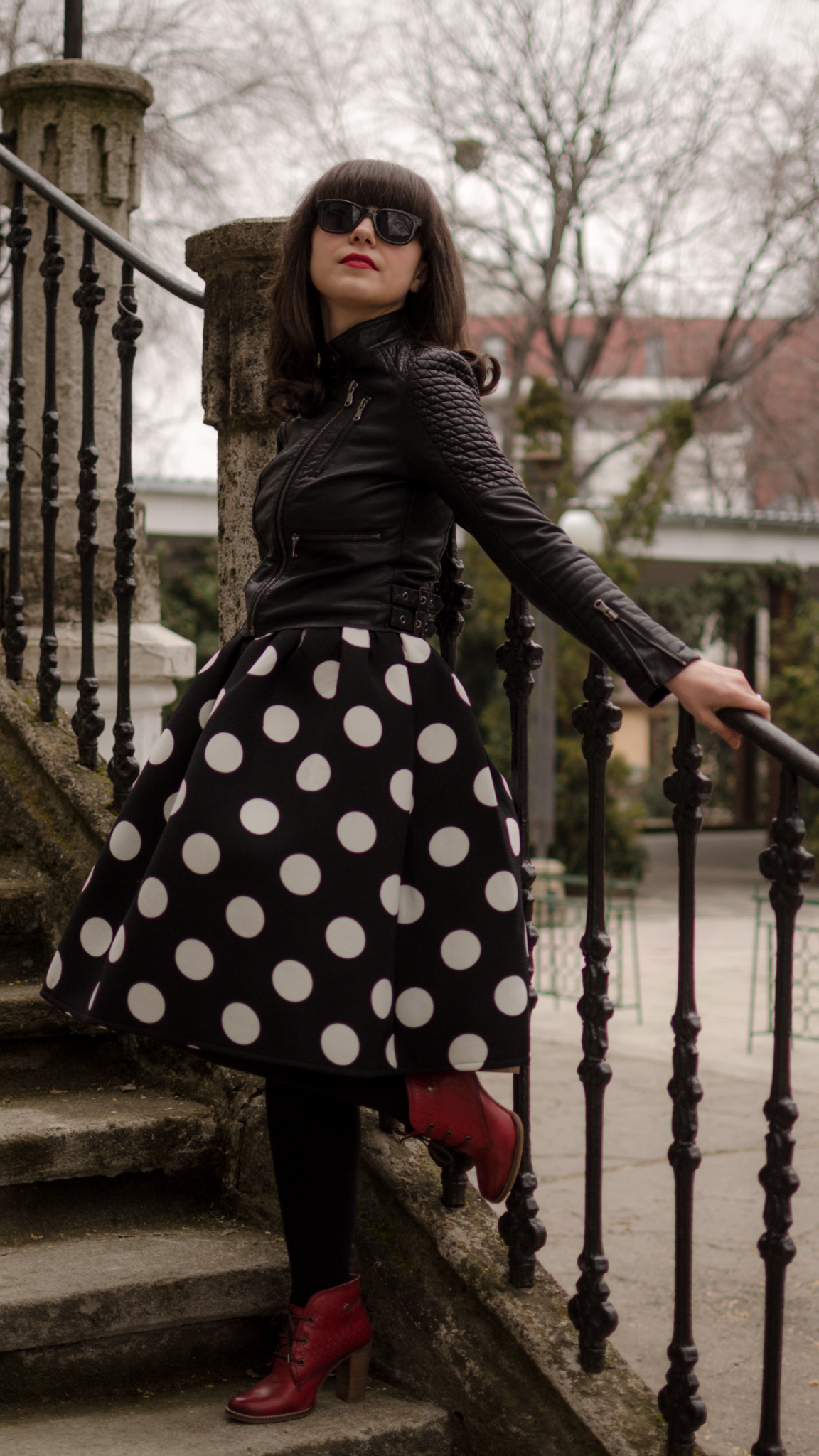 big polka dots puffed up skirt sheinside rock leather jacket burgundy boots black & white cats t-shirt spring new yorker