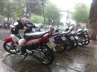 Một chiều mưa ở XYZ
