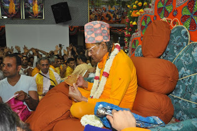 Beautiful picture of Kripaluji Maharaj