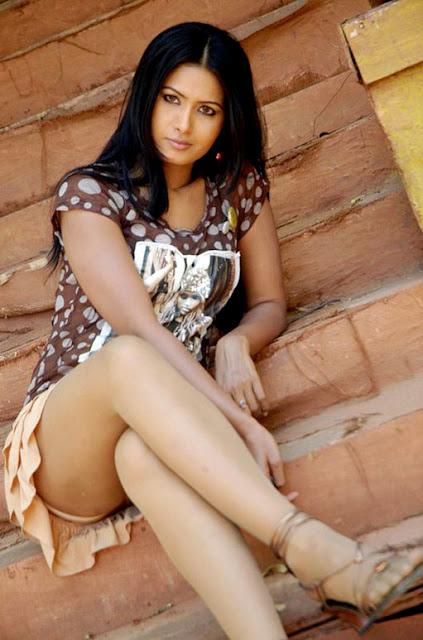 Sri Divya hot