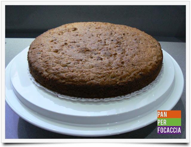 torta con nocciole e cioccolato