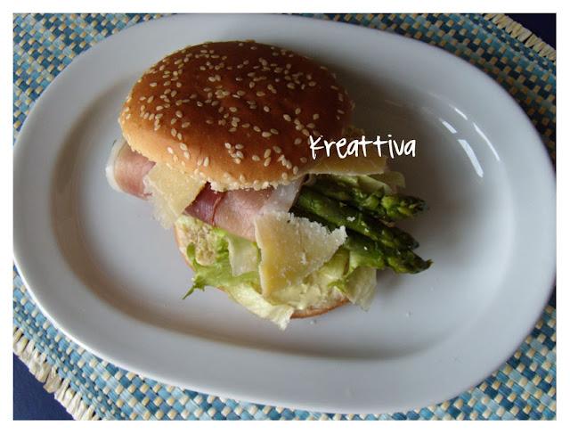 panino con asparagi e prosciutto crudo