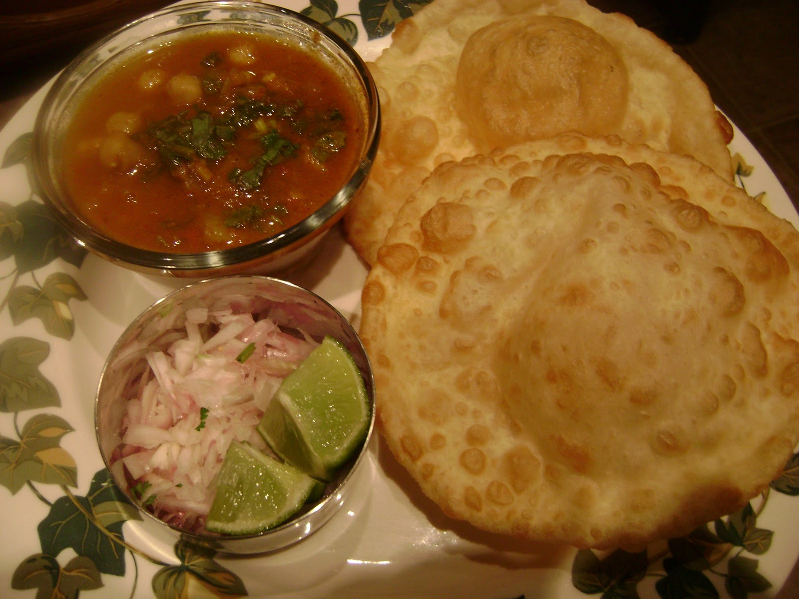 Aks vegetarian recipe world chole bhature chole bhature forumfinder Choice Image