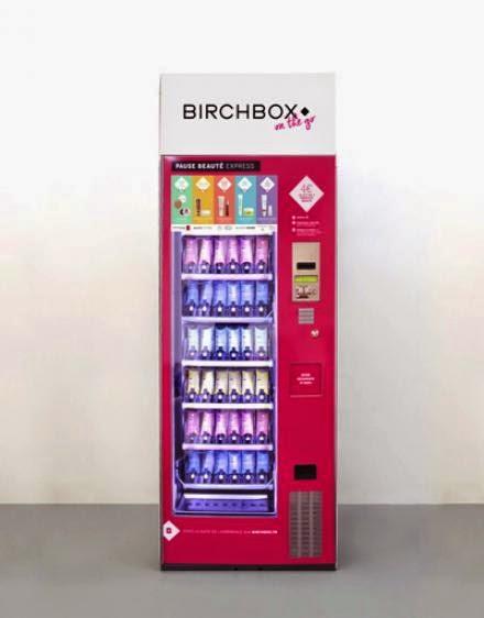 Birchbox installe un distributeur automatique de produits de beauté à Paris.