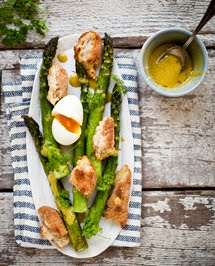 roasted asparagus with toasty bread, soft boiled egg + chervil