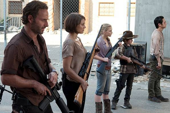 Assistir - The Walking Dead - S03E11: I Ain't A Judas - Online