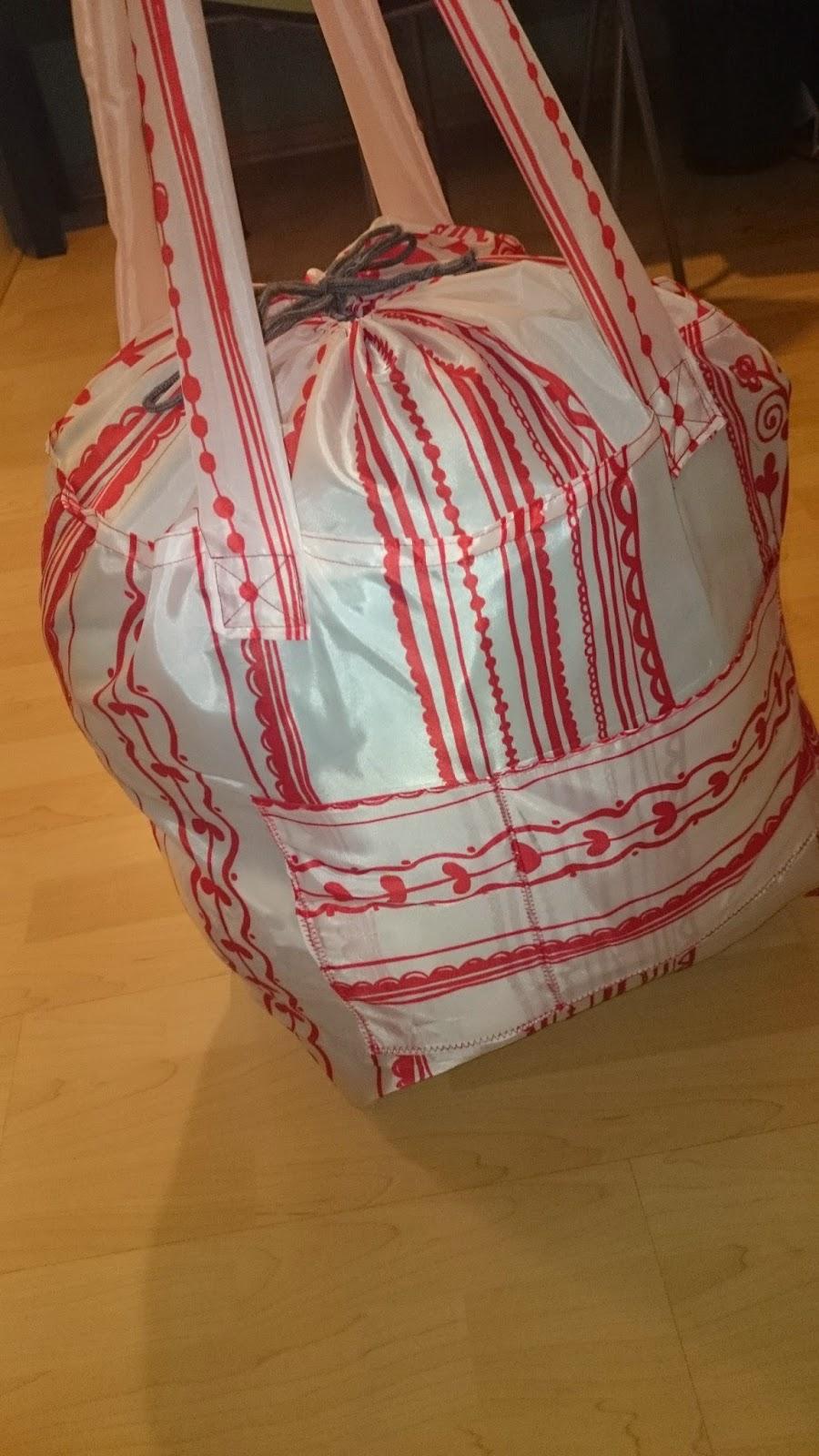 leolilie falt strandtasche aus duschvorhang. Black Bedroom Furniture Sets. Home Design Ideas