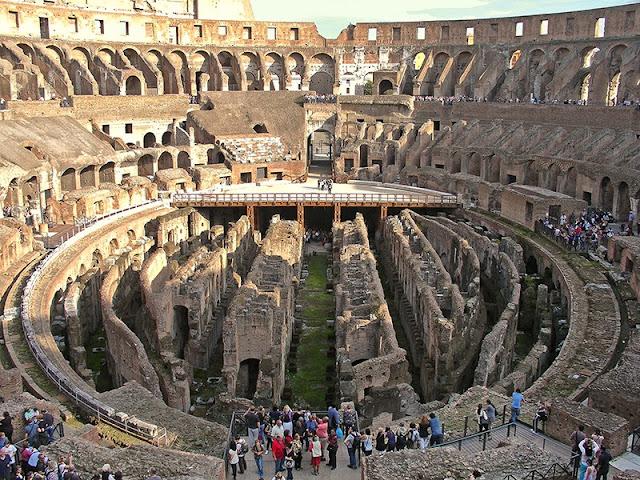 L'intérieur du Colisée de Rome (7)