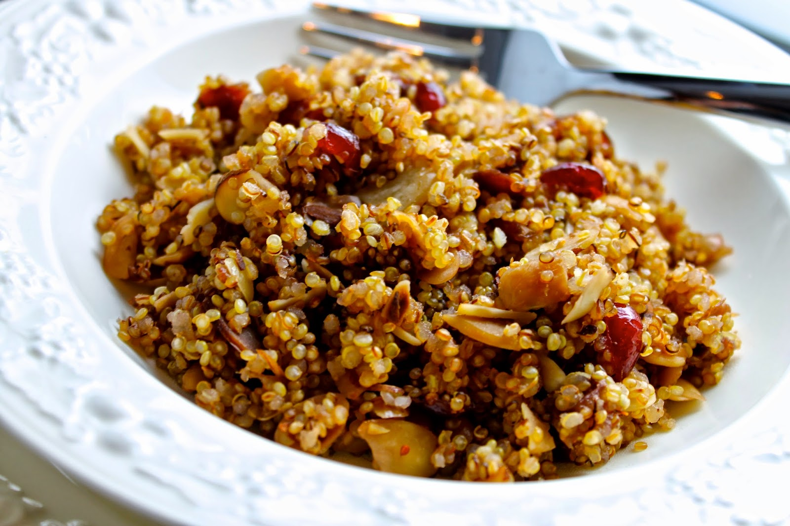 Savoir faire saludable receta de qu noa con almendras y for Cocinar 1 taza de quinoa