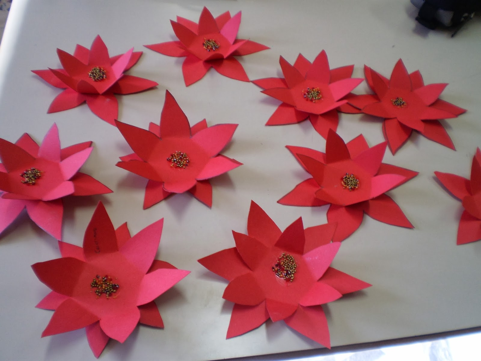 La classe dei balocchi addobbi per l 39 aula for Addobbi natalizi per la classe