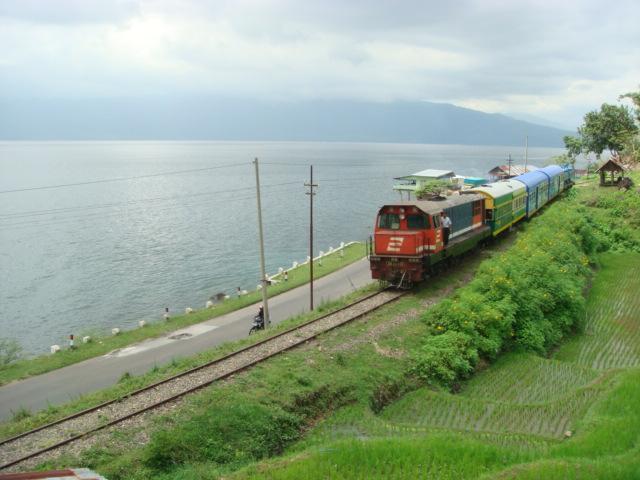 Objek wisata Danau Singkarak Sumatera Barat