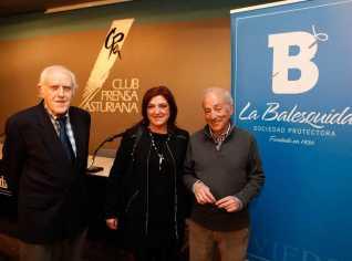 Foto de los ponentes. La Nueva España (ver artículo).