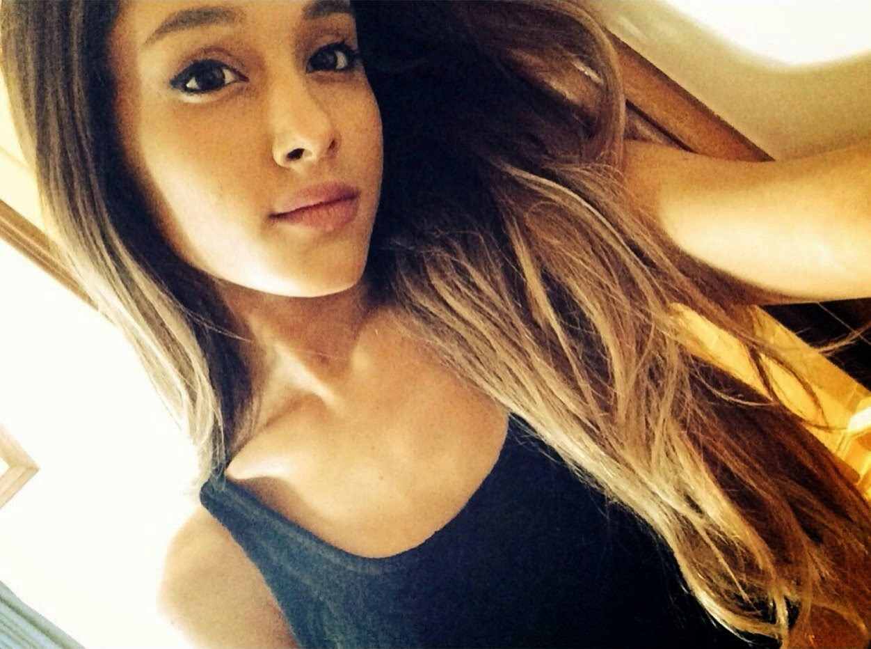 Ariana Grande Nude Photos iPhone Hacked And Leaked