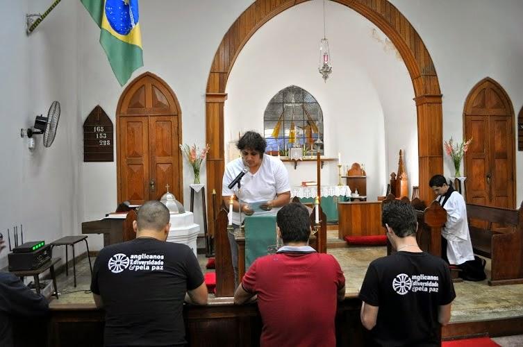 Episcopaz em Adoração