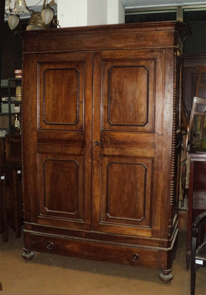 Armadio antico in noce Luigi Filippo XIX sec. Antique 19th C. walnut ...