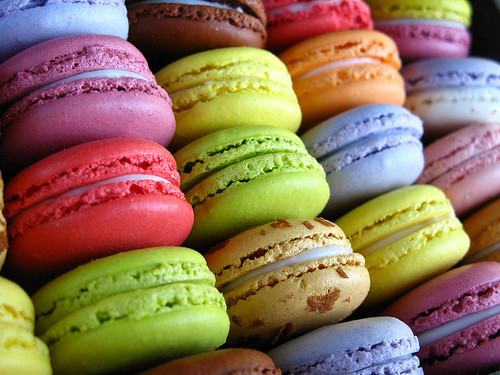 macaroons or macarons are the new cupcake with no ladurée in sight in ...