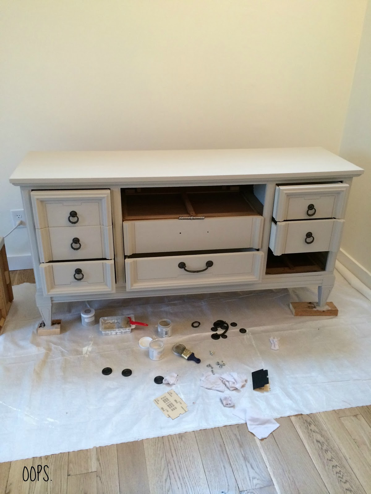 Livelovediy how to paint furniture with chalk paint and how to finally geotapseo Choice Image