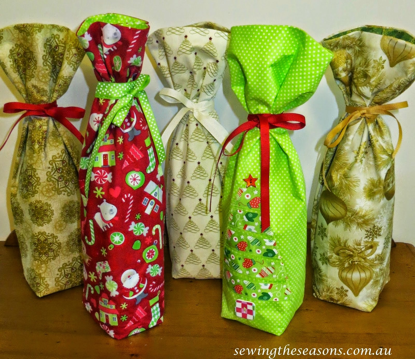 http://www.sewingtheseasons.com.au/2014/12/bottle-gift-bag.html