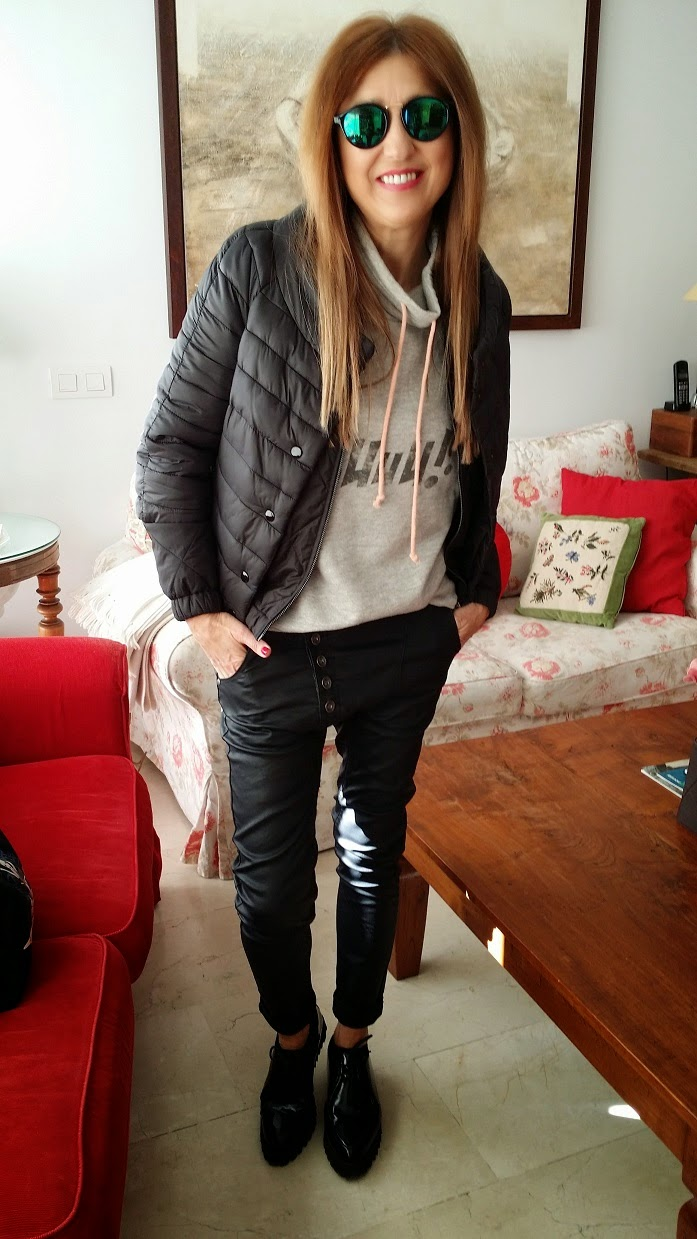 Carmen Hummer, Blog de Moda, Style, Looks, Pants, Sweatshirt, Glasses, Fashion Blogger, Street Style, Lifestyle