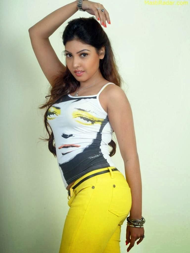 Komal+Jha+Hot+Photos+in+Tight+Jeans004