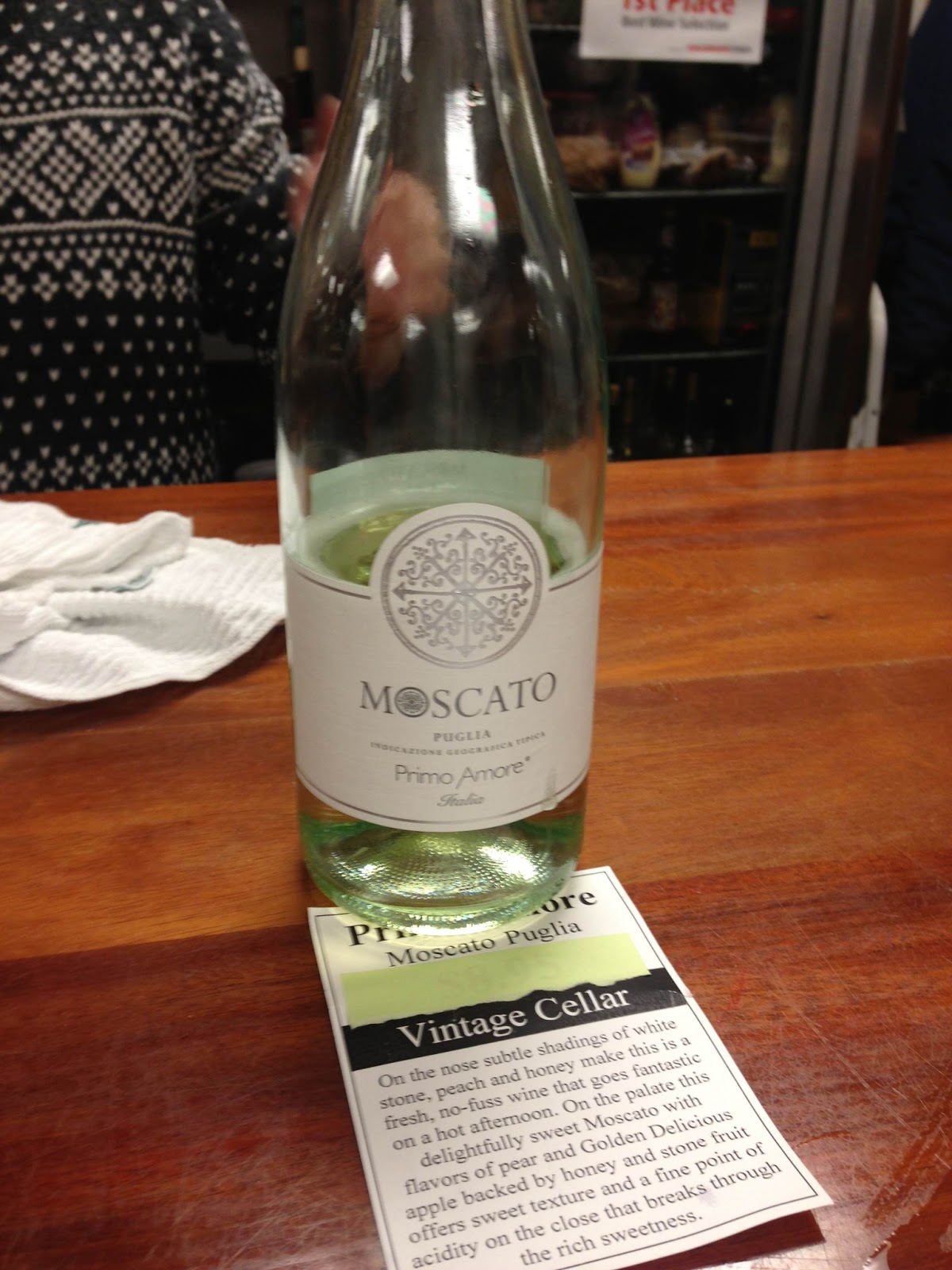 Kelsey drinks wine tasting primo amore moscato puglia - Olive garden moscato primo amore ...