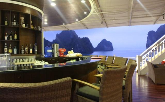 Bar on Sundeck - Au Co Cruise