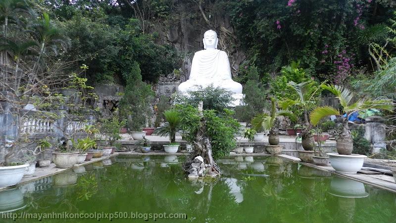 Tượng Phật trên Ngũ Hành Sơn