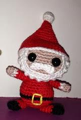http://www.artedetei.com/2012/12/papa-noel-y-reno-amigurumi.html
