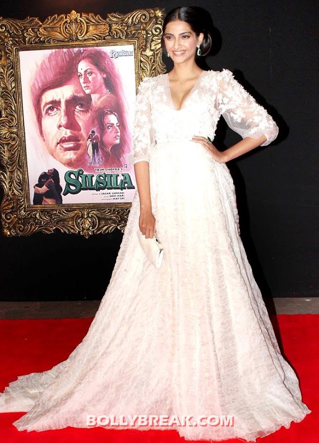  -  Bollywood stars at &#39;Jab Tak Hai Jaan&#39; premiere