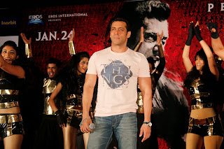 Salman Khan And Daisy Shah Promoting Jai Ho Movie (12).JPG