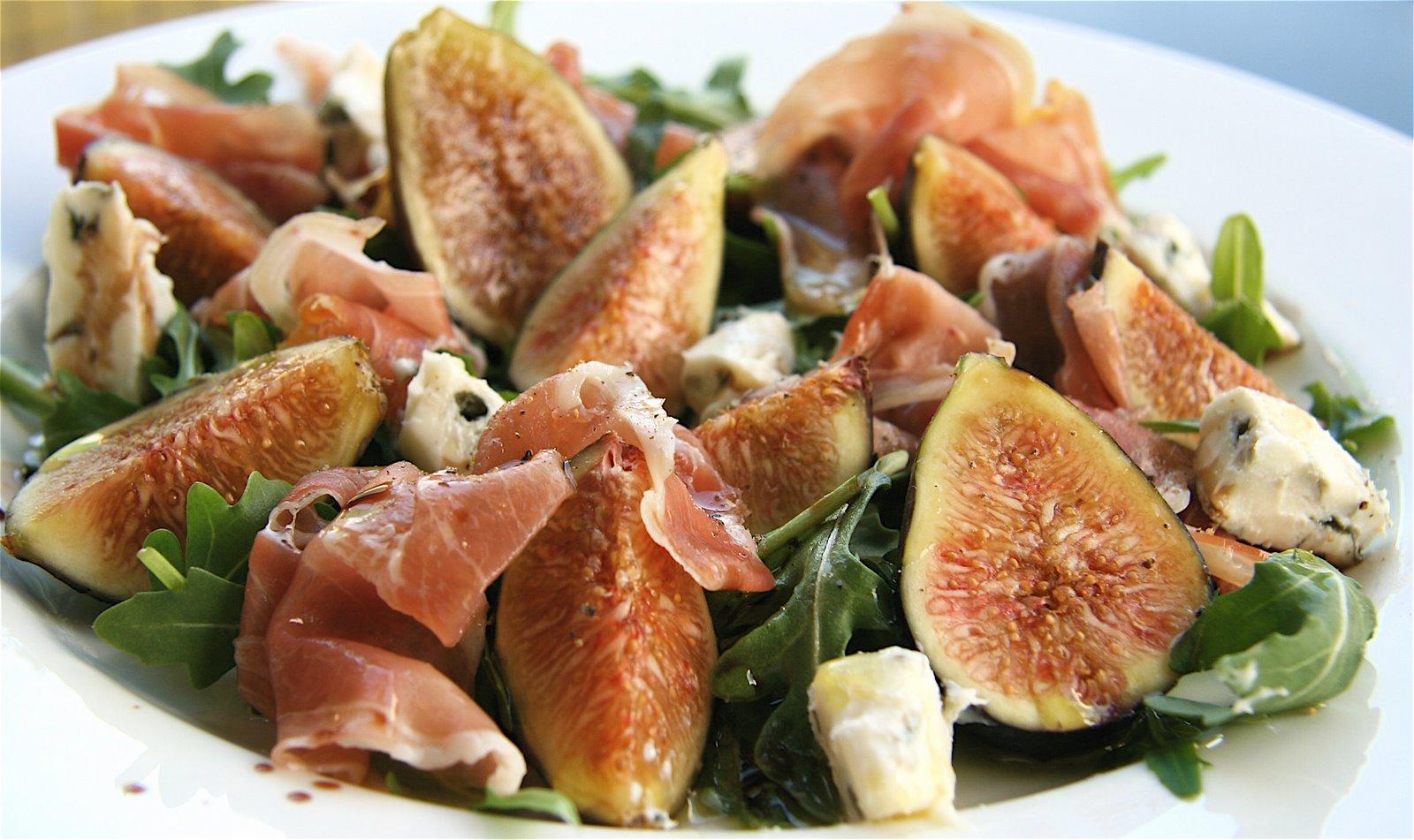 and gorgonzola salad and gorgonzola salad crispy prosciutto salad