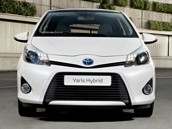 elegant and luxury car toyota yaris hybrid 2013. Black Bedroom Furniture Sets. Home Design Ideas