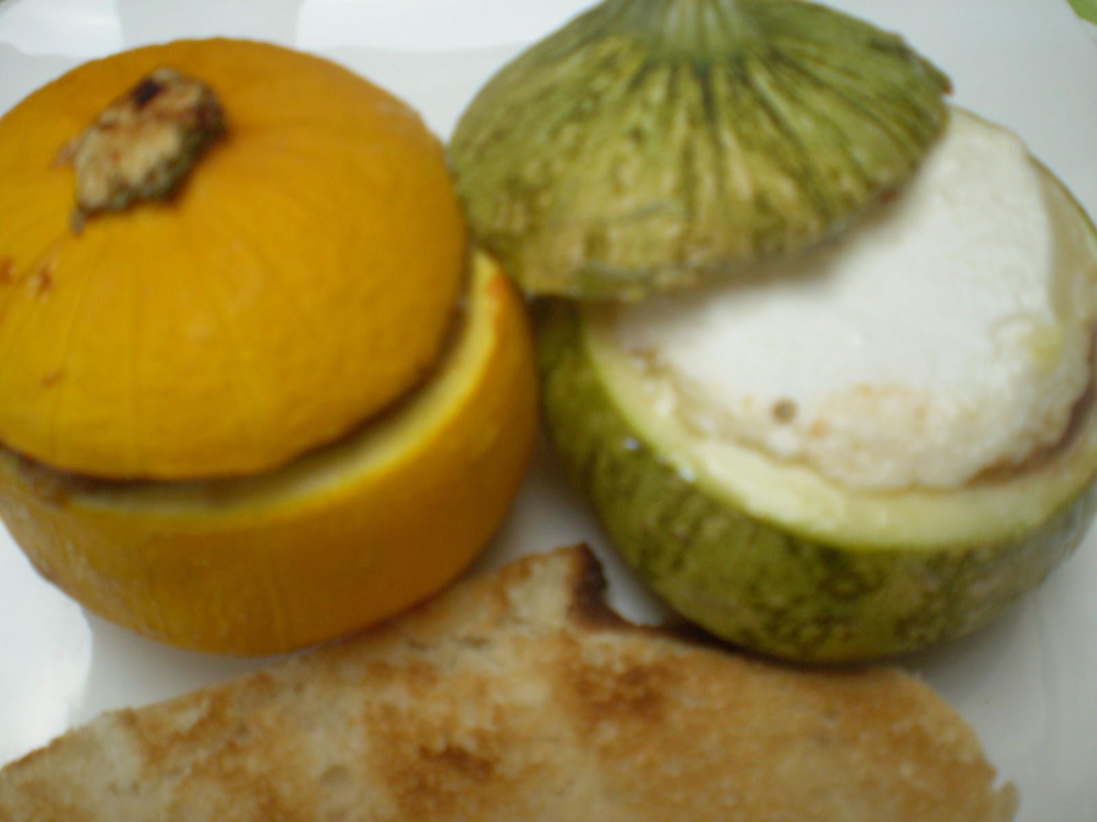 Courgettes rondes farcies à la tapenade provençale au couteau et au crottin de chèvre